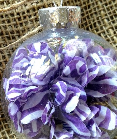 DIY Christmas Ornaments Ideas: Silk Flower Ornaments #Christmas #DIY
