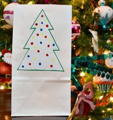 Indoor DIY Luminaries for Christmas #Christmas #DIY #crafts