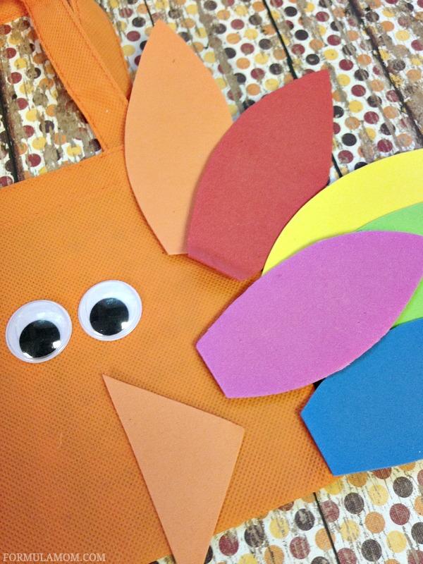 Thanksgiving Crafts for Kids: Making Easy Turkey Treat Bag