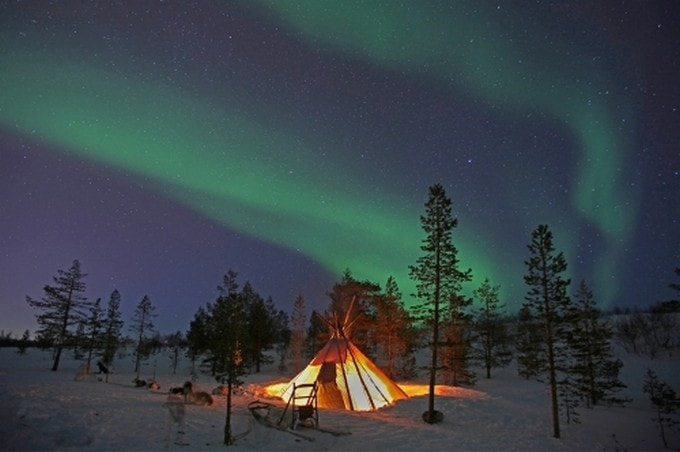 Add the Northern Lights to Your Travel Bucket List Ideas!  #Hurtigruten #travel