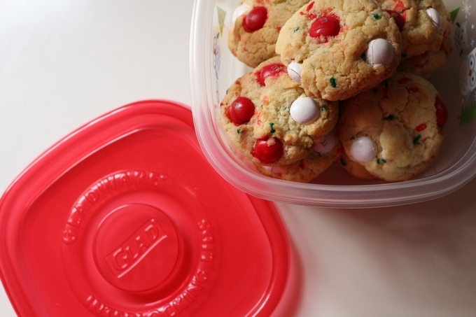 Easy Christmas Cookies with Glad storage #HolidayBaking