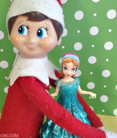 Easy Elf on the Shelf Ideas: Elf Hugs #ElfontheShelf