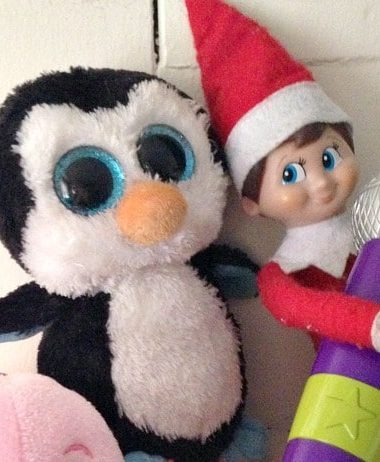 Easy Elf on the Shelf Ideas: Throw a Karaoke Party! #ElfontheShelf