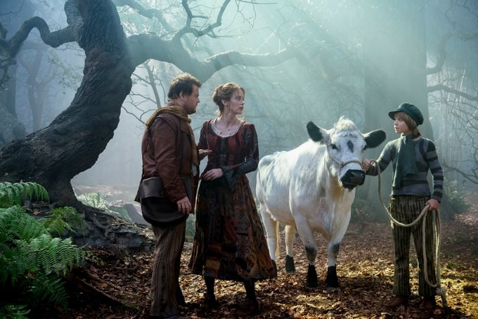 Emily Blunt and James Corden as The Baker and his Wife #IntoTheWoods #IntoTheWoodsEvent