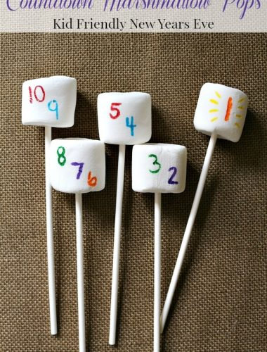 Kid Friendly New Years Eve Ideas: Countdown Marshmallow Pops #DIY #NewYearsEve