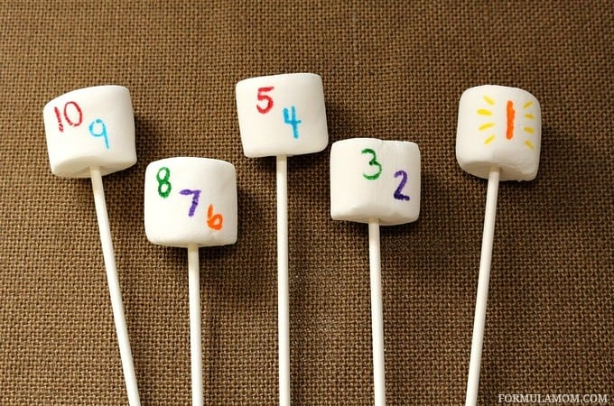 Kid Friendly New Years Eve Idea: Countdown Marshmallow Pops