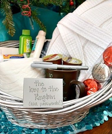 How to Make Your Own Guest Welcome Basket #BICMerryMarking #CloudNineGrey