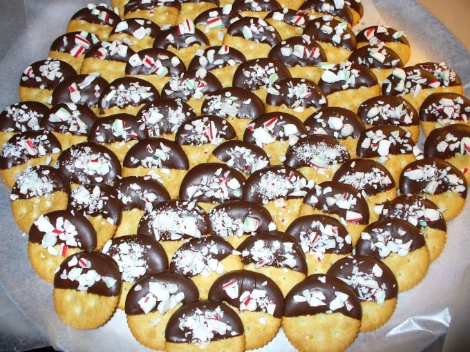 Holiday Baking 2009: Ritz Crackers Dipped in Chocolate