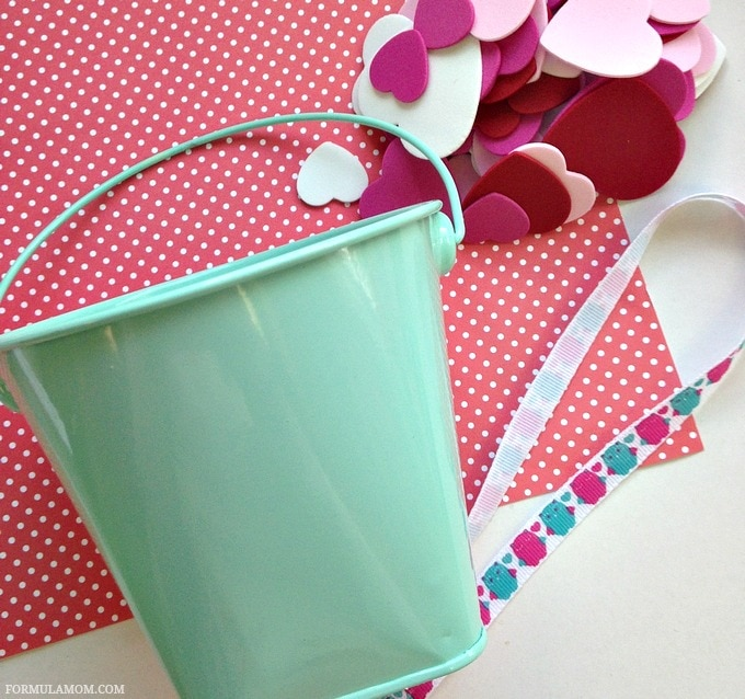 Kid Friendly Valentine Crafts: What You Need to Make a Bucket of Kisses #ValentinesDay