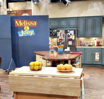 Visiting the set of ABC Family's Melissa & Joey #ABCFamilyEvent #MelissaAndJoey