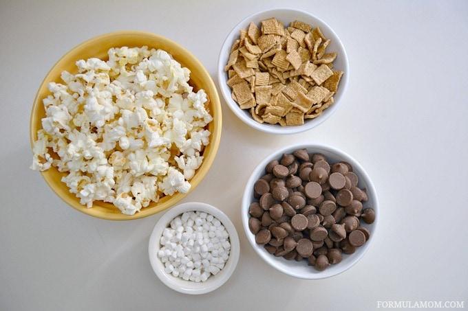 What You Need to Make Smores Popcorn Bark #smores #recipe