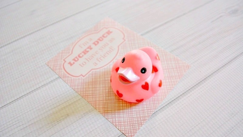 Rubber Duck Valentine Idea with No Candy (& Free Printable!)
