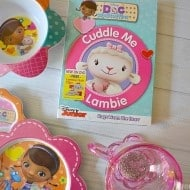 Doc McStuffins: Cuddle Me Lambie on DVD