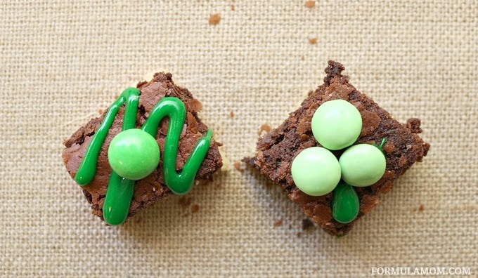 Easy Shamrock Brownies and brownie decorating is a fun way to celebrate St. Patrick's Day!