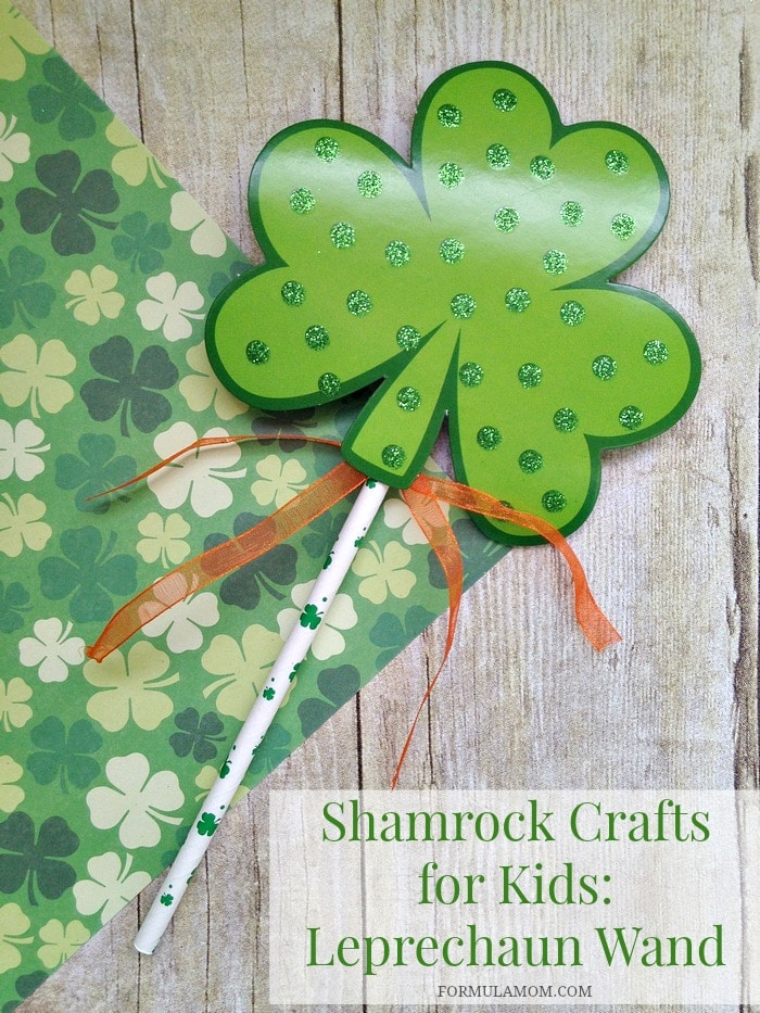 Shamrock Crafts for Kids: Leprechaun Wand #StPatricksDay
