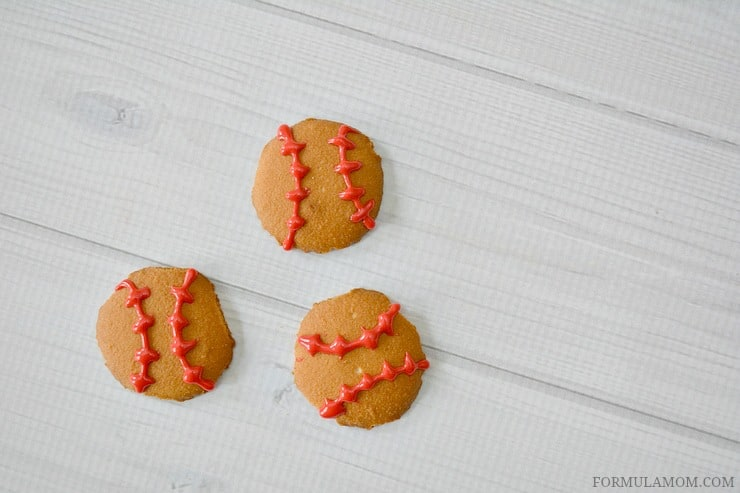 Make these Easy Baseball Cookies in minutes!