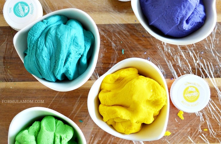 Hands-On Spring Break Activities for Kids: DIY Play Dough #EveryDayCare
