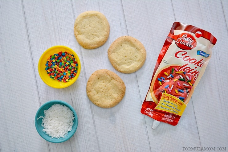 Here are all of the ingredients you need to make Sugar Cookie Pizza cookies! You can pretty much hit the pantry and just see what you have on hand for this easy cookie decorating idea!