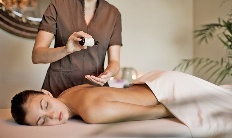 "Easy Mother's Day Gift ideas include massages and spa time! What mom wouldn't like the gift of a little ""me"" time?"