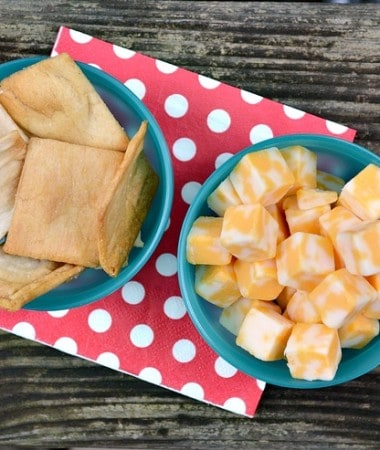 Easy Girls Night In Ideas: Go simple with snacks! Stick with appetizers and finger foods that everyone will enjoy!