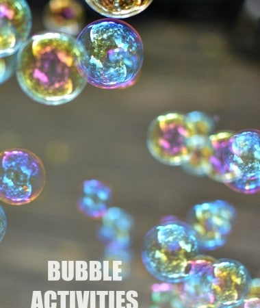 Take the kids outside with these fun bubble activities that the kids will love! These bubble activities are great for kids of all ages! Fun ways to keep kids busy!
