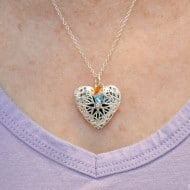 3 Reasons You Need a Diffuser Necklace