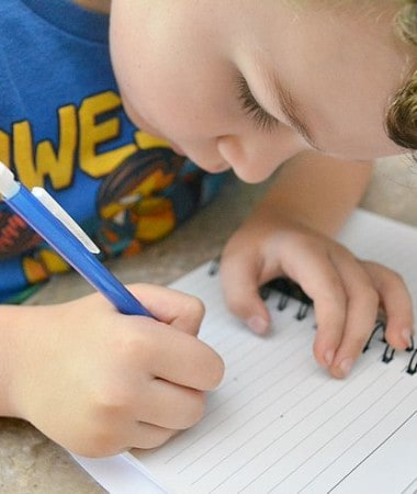 Learning to write is an important part of growing up! Making it fun is a great way to encourage your kids to write! Check out these easy handwriting tips for kindergarten (and beyond!) Make it fun and find success!