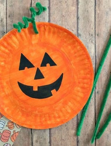 Learn how to make the easiest Paper Plate Pumpkin Craft ever! You probably have most of the supplies for this paper plate craft idea! It's a fun way to celebrate fall or Halloween with the kids!