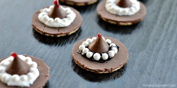 Easy No-Bake Witch Hat Cookies