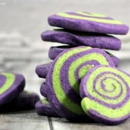 How to Make Halloween Pinwheel Cookies