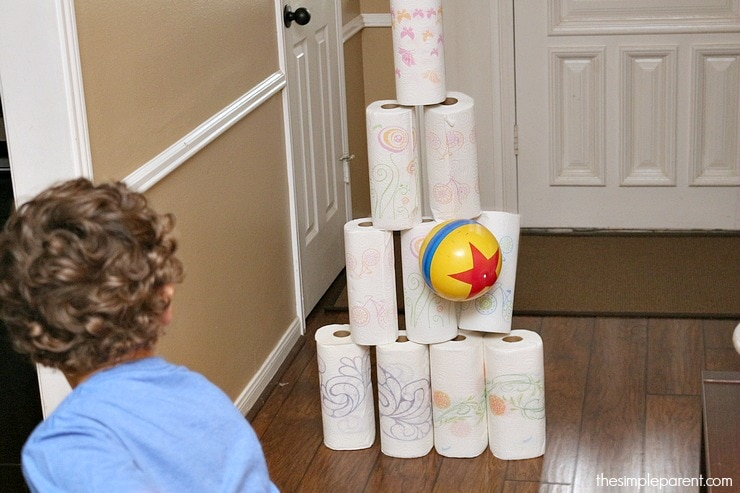 Don't let being stuck inside with the kids be a downer! Check out what you have around the house and have fun with these easy indoor kids activities!