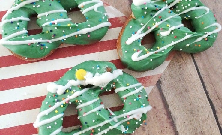 Christmas Tree Pretzels Give You a Salty Sweet Holiday Fix