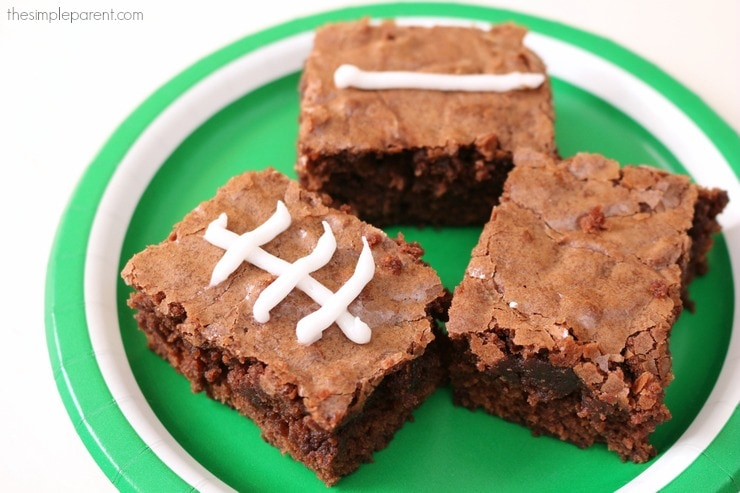Make this easy brownie football recipe for a perfect game day treat!
