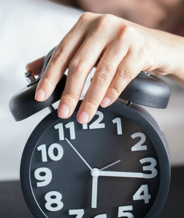 Try some of these Daylight Savings sleep tips to help you adjust to the change and get a good night's rest!