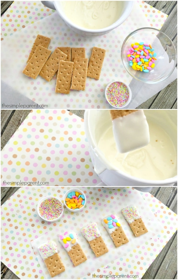 The steps to make Easter graham cracker dippers.