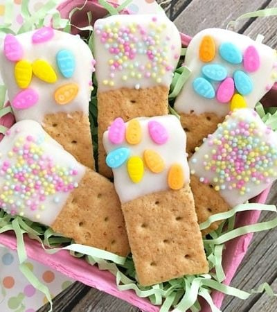 Make Graham Cracker Dippers for Easter! So Easy & Fun!