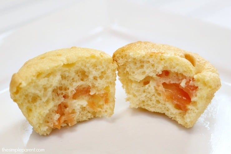 Enjoy fresh grapefruit in a new way with easy Vanilla Grapefruit cupcakes!