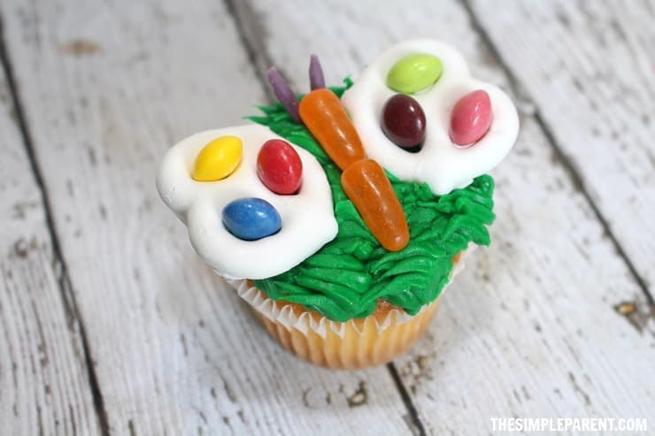 Make these adorable and fun butterfly cupcakes for Spring!