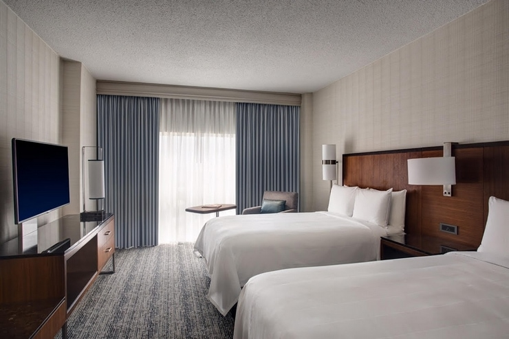 Have an early departure before your family vacation? Consider staying at an airport hotel like the Houston Marriott Airport hotel for a great start to your travels!