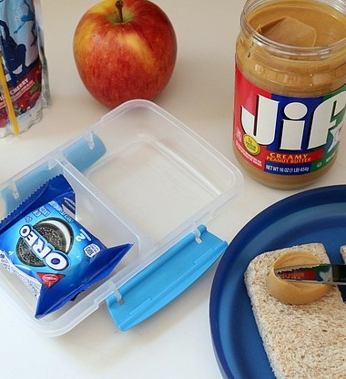 Make back to school lunches easier with these quick tips!