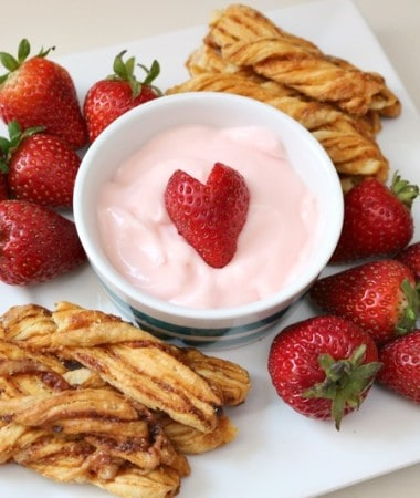 Easy Strawberry Dip to Enjoy