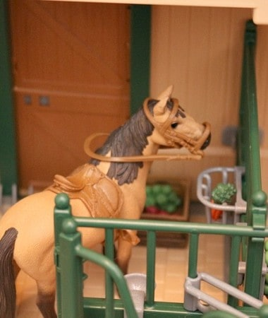 Schleich Farm World Stable with Horses is great for kids who love animals!