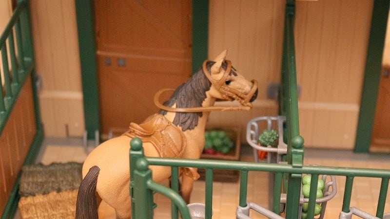 Schleich Farm World Stable with Horses for Christmas