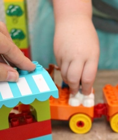 Imaginative play is simple with these easy toddler playdate ideas using LEGO DUPLO bricks!