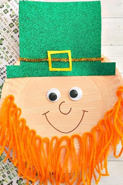 This leprechaun paper craft is a fun thing to do with your kids on St. Patrick's Day!