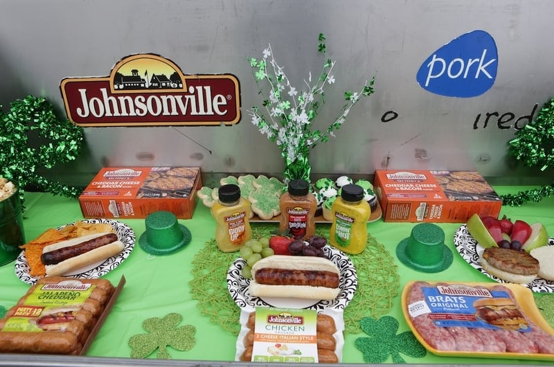 Johnsonville partnered up to sponsor the 2017 Chicago Polar Plunge & shared the #FirstBrats of the grilling season!