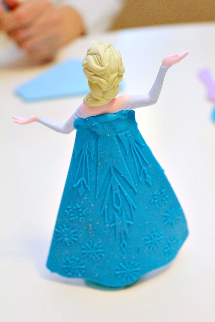 Elsa is the star of the Play-Doh Frozen Ice Castle toy!