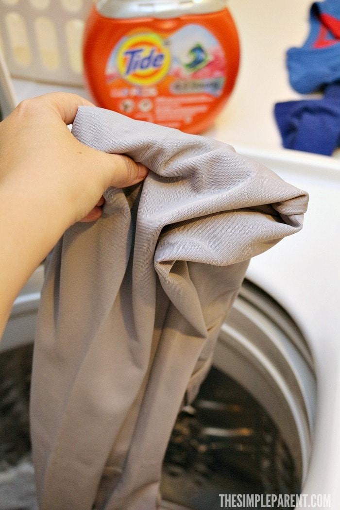 Baseball mom tips for cleaning baseball pants.
