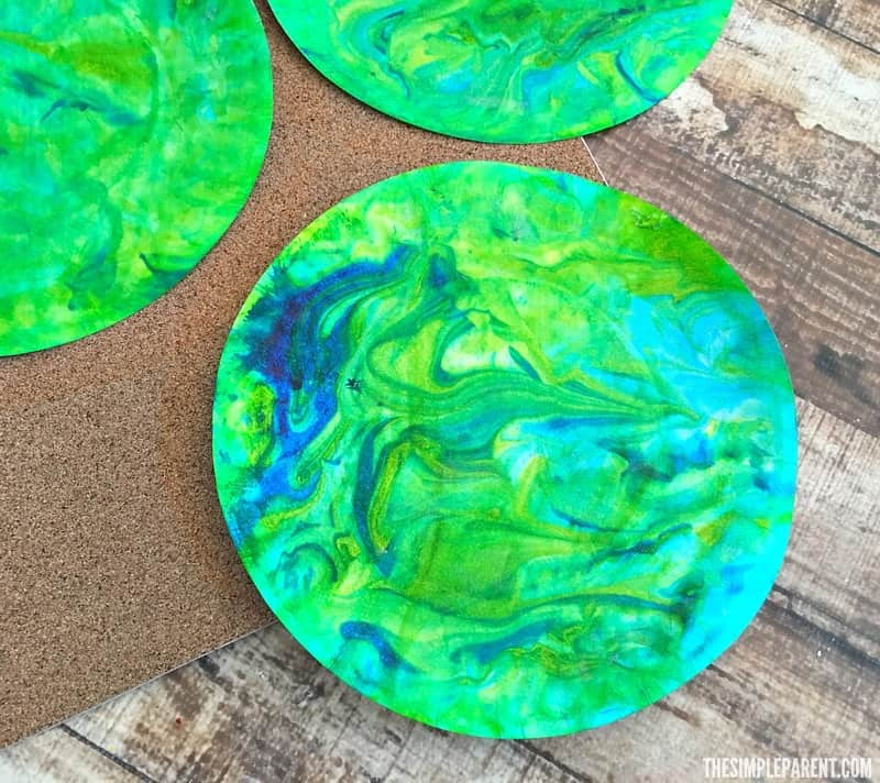 Make this Earth paper plate craft to celebrate Earth Day!