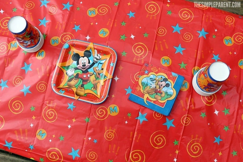 Check our our Mickey Mouse Clubhouse party theme table set up!